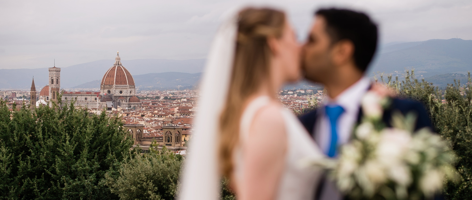 Red, White & Love (part I): Wedding Photographer Florence Italy